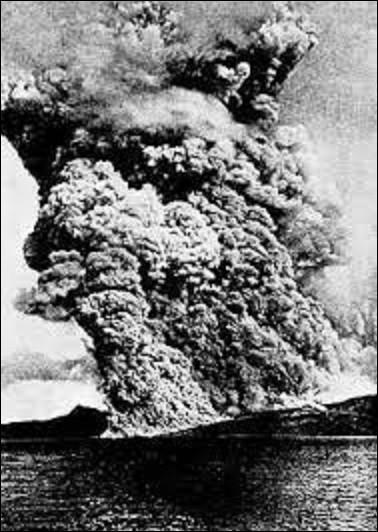 8 mai 1902 : En Martinique, l'éruption de la montagne Pelée détruit Saint-Pierre et cause la mort de combien de personnes ?