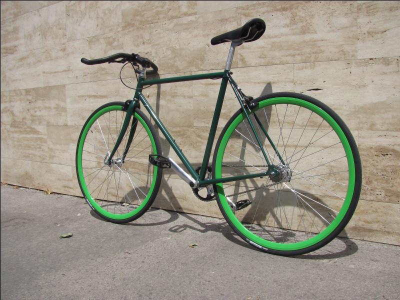 Vélo dont l'unique pignon est totalement solidaire de la roue arrière :
