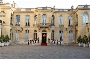 Politique : quel Premier ministre de la Vème République a le record de longévité à Matignon ?