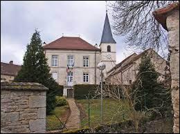 Nous terminons notre balade en Côte-d'Or, à Villey-sur-Tille. Nous sommes en région ...