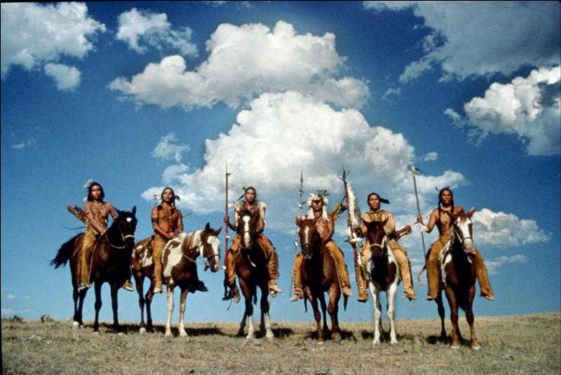 Aux États-Unis, quel nom donne-t-on à la langue parlée par les indiens Dakotas ?