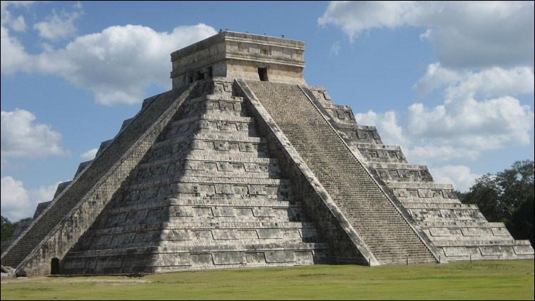 Avec le Mexique, dans lequel de ces autres pays d'Amérique Centrale vit la majorité des descendants des Mayas ?