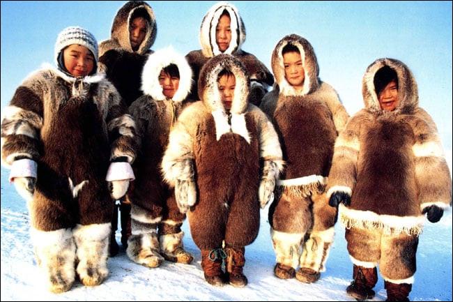 Laquelle de ces langues n'est pas parlée par des Inuits ?