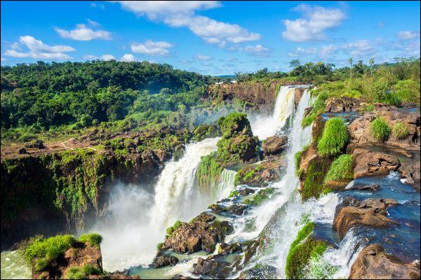 Quelle langue indigène est la deuxième langue officielle du Paraguay ?