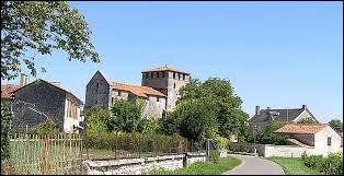 Commune néo-aquitaine, dans la Communauté d'agglomération du Grand Angoulême, Voulgézac se situe dans le département ...