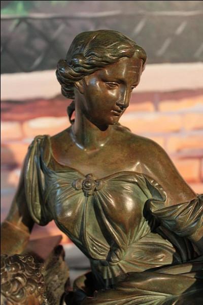 Le bronze est un alliage composé de...