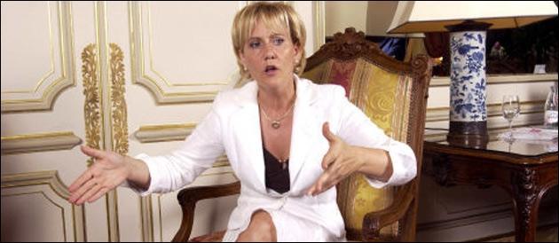Elle occupe ou a occupé les fonctions de : de Meurthe-et-Moselle et Secrétaire d'État à la Famille et à la Solidarité