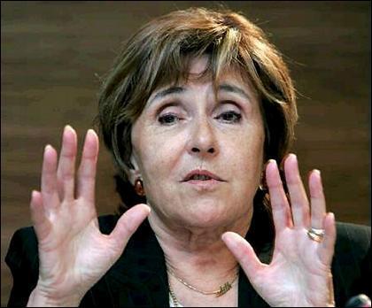 Elle occupe ou a occupé les fonctions de : Premier ministre de François Mitterrand et Ministre des Affaires européennes