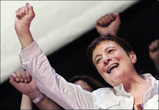 Elle occupe ou a occupé les fonctions de : Députée européenne et Conseillère municipale des Lilas