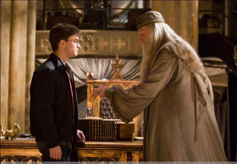 Où Dumbledore amène-t-il Harry à la fin du 6, et pourquoi ?
