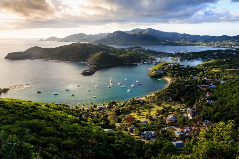 """Quel est ce pays réputé pour sa chanson : """"Il y a Barbapapa, Barbuda, Saint-John's et Barbalala, viens avec nous chez Antigua"""" et qui a comme capitale Saint-John's ?"""