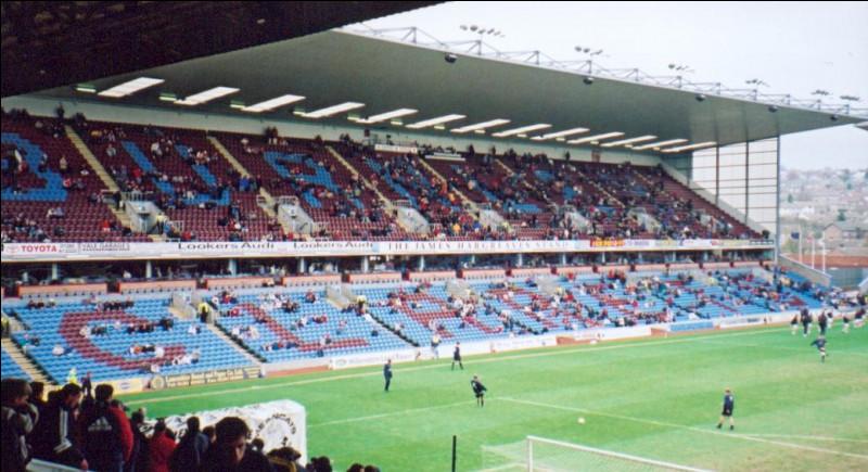 En octobre 1886, Turf Moor est le premier stade à accueillir en tribunes un membre de la famille royale. Lequel ?