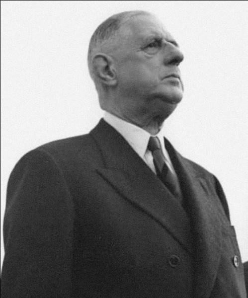 La première élection présidentielle de la Ve République au suffrage universel direct se déroula en 1965. Charles De Gaulle l'emporta face à...