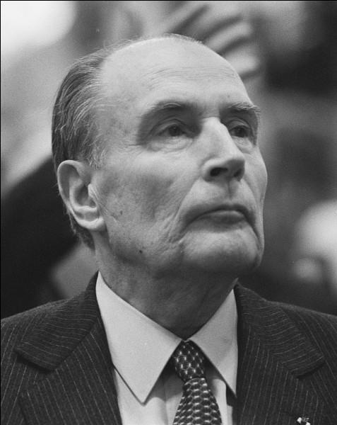 L'élection présidentielle de 1988 opposa François Mitterrand à Jacques Chirac, qui était...