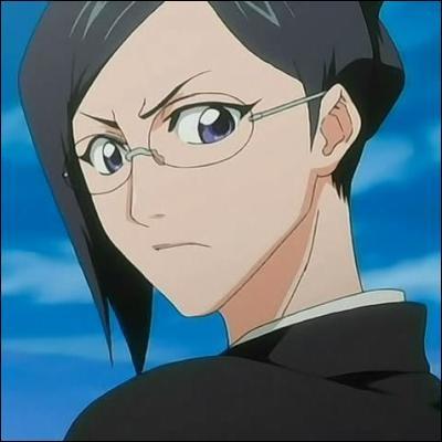 (Nanao Ise) Quelle est son attitude envers son capitaine, Kyouraku ?
