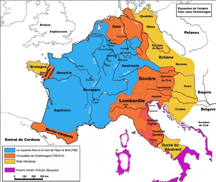 À la demande du pape en 773, Charlemagne part à la tête d'une expédition contre les...