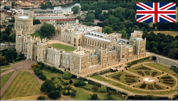 Quelle est cette ville anglaise située au bord de la Tamise, célèbre pour son château, résidence secondaire des souverains britanniques ?