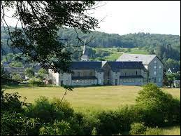 Village Puydômois, Bagnols se situe en région ...