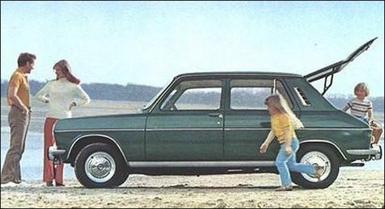 Cette Simca 1100 produite à Poissy dans les années 70 offre une nouveauté à ses clients. C'est la seule à disposer...