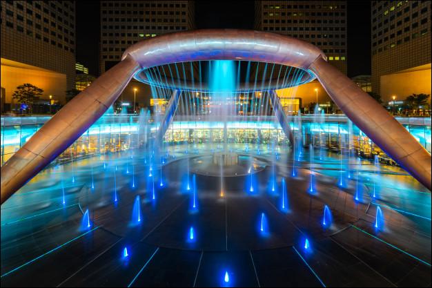 Quelle est cette fontaine célèbre à Singapour ?