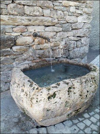 Quel était le principal symbole de la fontaine de Jouvence ?