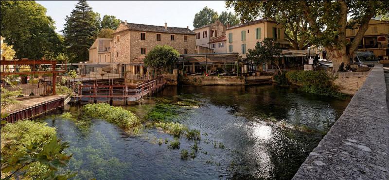 Retrouvez le nom de cette jolie ville du sud de la France :