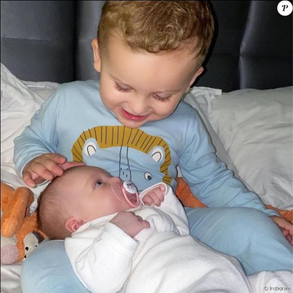 Comment se prénomment les enfants de Julien Tanti et Manon ?