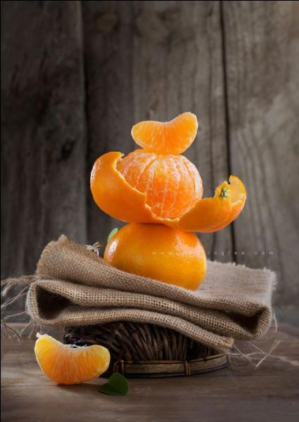 Le nom de quel grand homme est la marque de la liqueur de mandarine ?