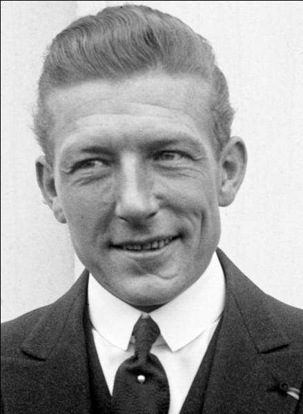 Avant d'évoluer au stade du Hainaut, Valenciennes jouait au stade Nungesser. Mais qui était Charles Nungesser ?