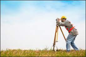 """La topographie est la science qui permet la mesure puis la représentation sur un plan ou une carte des formes et détails visibles sur le terrain. Que signifie """"topos"""" ?"""
