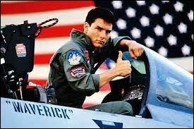 """Quel acteur est célèbre pour avoir joué dans """"Top Gun"""" ?"""
