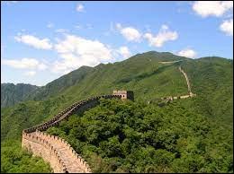 La Grande Muraille de Chine est visible de la Lune.