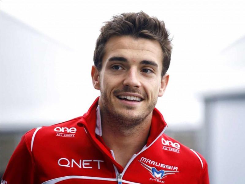 Jules Bianchi était un pilote prometteur que beaucoup voyait comme un futur pilote de la Scuderia Ferrari, malheureusement, il se blesse gravement au Grand Prix du Japon. Quel était le numéro de course de Jules Bianchi ?