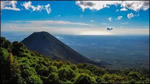 Quel est le plus petit pays d'Amérique centrale ?