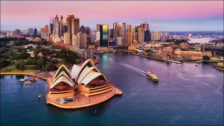 Qui étaient les premiers immigrants britanniques en Australie ?
