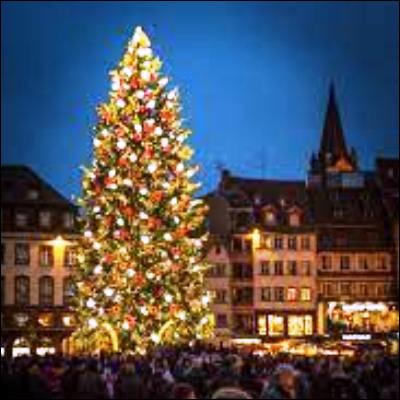 Quel événement biblique est célébré par la fête de Noël ?