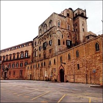Quelle ville italienne, chef-lieu de la Sicile, abrite le palais des Normands ?