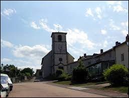 Sur cette image, vous avez l'église Sainte-Barbe de Rugney. Village du Grand-Est, dans l'agglomération Spinalienne, il se situe dans le département ...