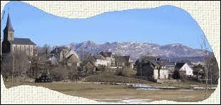 Nous sommes en Auvergne-Rhône-Alpes, à Saint-Genès-Champespe. Village de la Communauté de communes du Massif du Sancy, il se situe dans le département ...