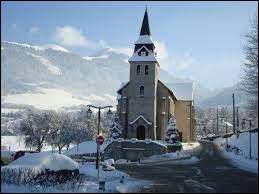 Petite vue hivernale de Saint-Jean-de-Tholome. Commune d'Auvergne-Rhône-Alpes, dans l'arrondissement de Bonneville, elle se trouve dans le département ...