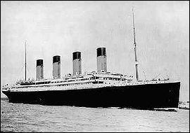 Transatlantique de la compagnie White Star, coulé par un iceberg lors de son voyage inaugural en 1912; la catastrophe fit 1 500 victimes ?
