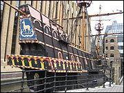 Bateau sur lequel Drake fit le tour du monde en 1580 ?