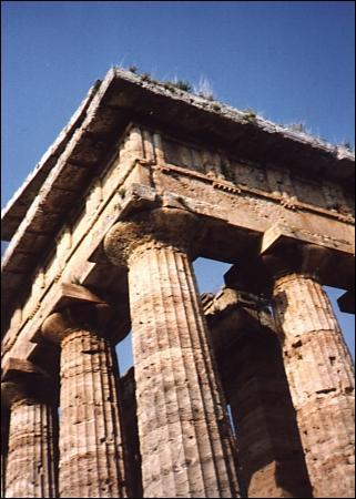 Quel est le pays des styles dorique, ionique et corinthien ?