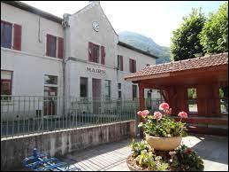 Petit tour dans le massif du Vercors, à La Rivière. Commune d'Auvergne-Rhône-Alpes, elle se situe dans le département ...