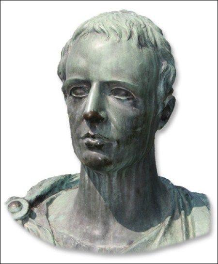 """Ce poète du 1er siècle avant J-C, laisse des nombreuses pièces lyriques et """"les noces de Thétis et Pélée"""", petite épopée mythologique : c'est ..."""