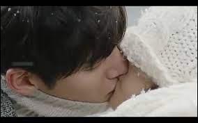 Quand est-ce que Healer et Chae Young-shin s'embrassent pour la première fois ? (voir image pour le bisou en question)