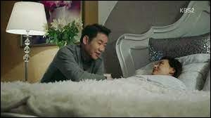 Qui est en réalité la femme en chaise roulante de Kim Moon-sik ?