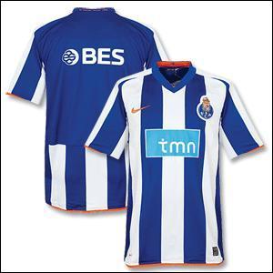 A quel club appartient se maillot ?