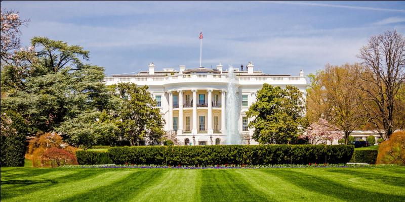 Qui était le président des Etats-Unis en 1985 ?