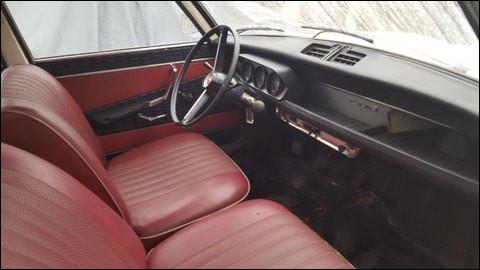 Encore un tableau de bord trois compteurs mais plutôt spartiate sur cette auto sortie en 1968. Quel est ce modèle ?